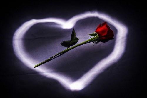 752316_E7UQY6WTZIXXLDTAWSNO5SQCRI1D3L_imagenes-romanticas-010_H035851_L.jpg