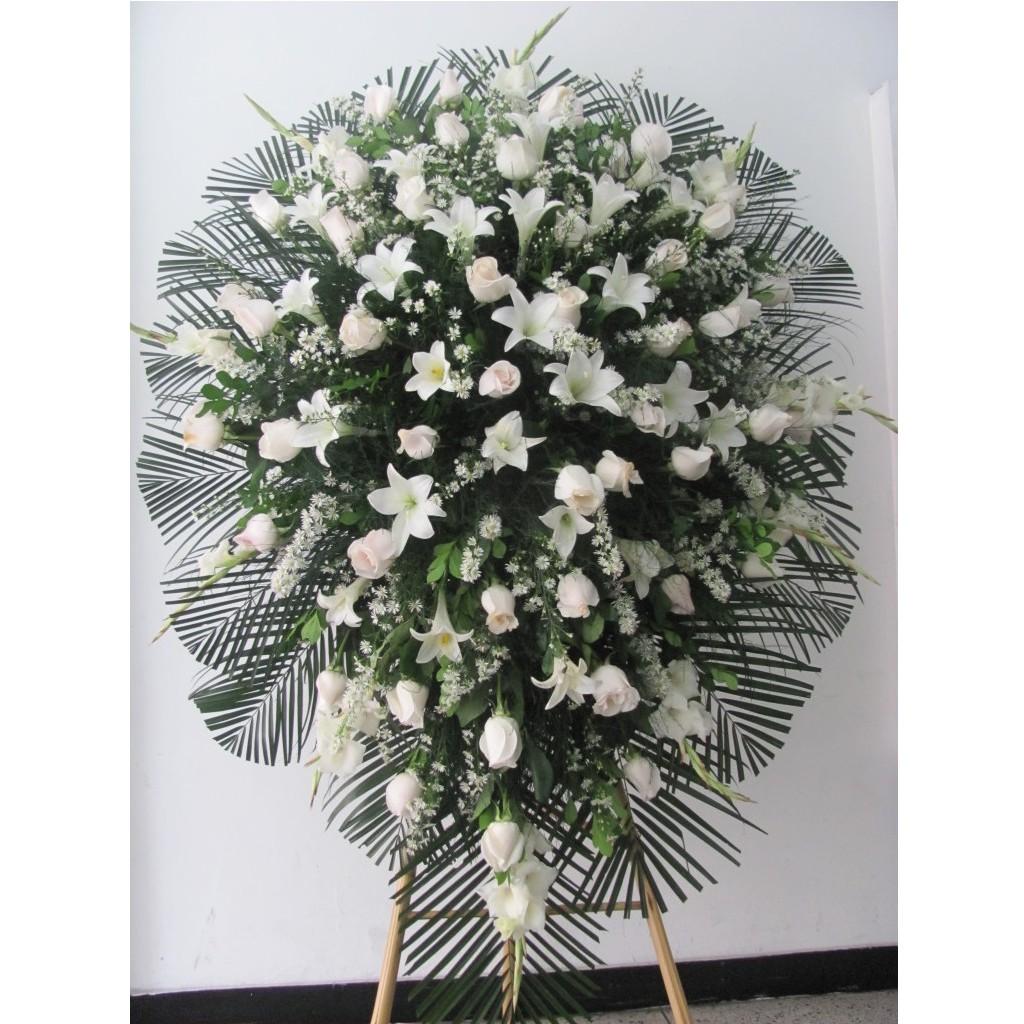 Pedestal-en-rosas-gladiolos-y-azucenas.-150.000-180.000-230.000-768x1024-1024x1024.jpg